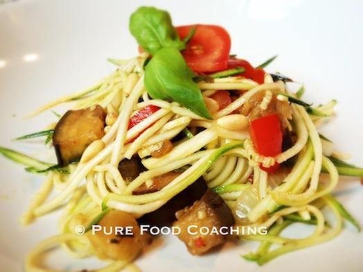 Hoofdgerecht-bijgerecht-paleo-Courgettespaghetti roerbakgroente