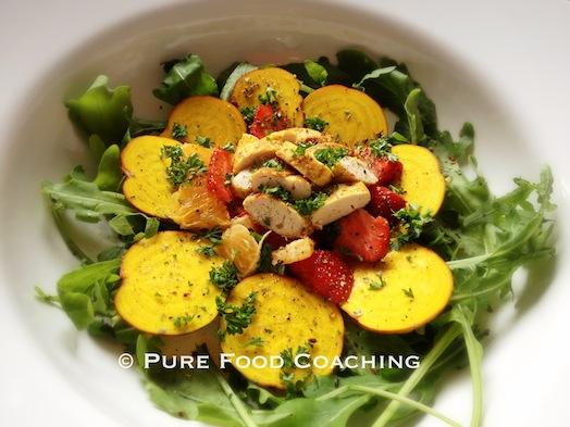 salade-paleo-rucola-gele biet-kip
